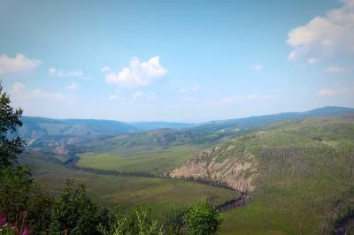 Go_Untamed_Winston_Wolfrider_Alaska_hill_border