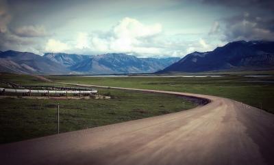 Go_Untamed_Winston_Wolfrider_Alaska_Dalton_Highway_Pipeline