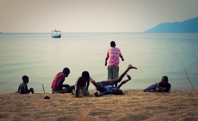 Malawi-GoUntamed-Lake