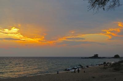 safari_go_untamed_sunset